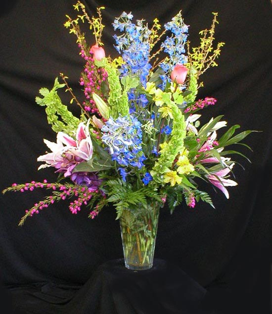 Stunning vase arrangement gainesvilles flower - Flower arrangements for vases ...